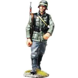 WW 088 toy soldier wehrmacht marching 1
