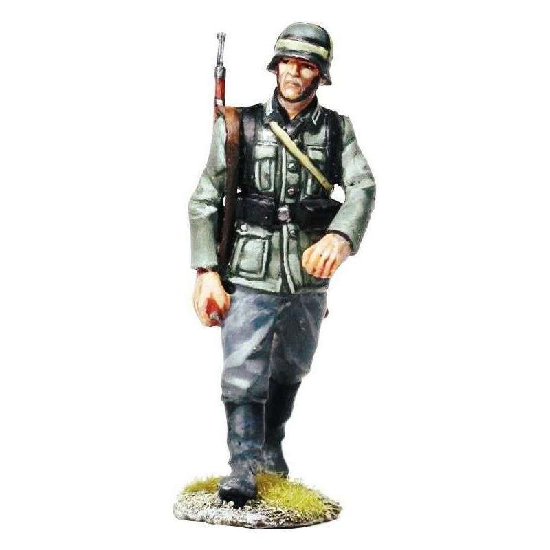 Wehrmacht private marching 1