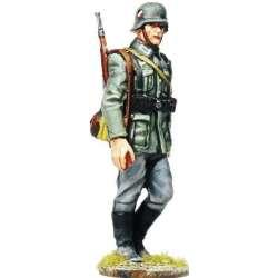 WW 090 toy soldier wehrmacht marchando 3
