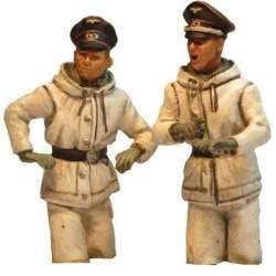 WW 204 toy soldier panzer commander half bodies winter camo peaked caps