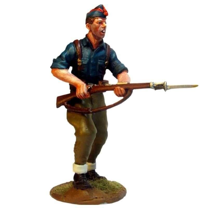Miliciano falangista cargando 3