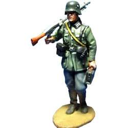 WW 124 toy soldier MG34 gunner 1940