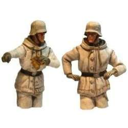 WW 206 toy soldier panzer commander winter camo half bodies