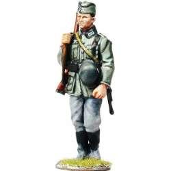 WW 126 toy soldier wehrmacht marchando 4