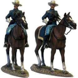 W 040 US cavalry officer on the trail