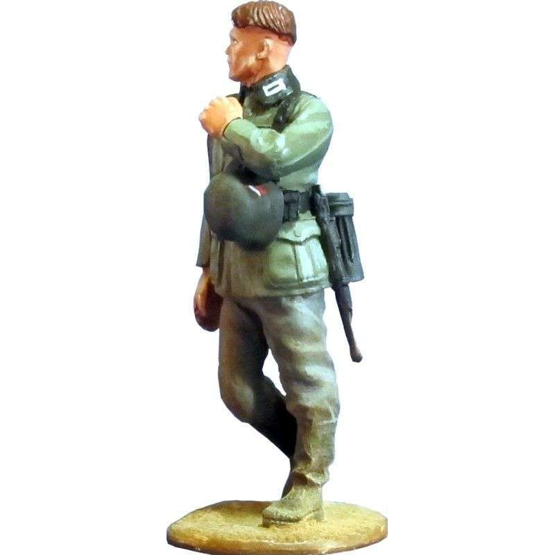 Wehrmacht soldier marching 5