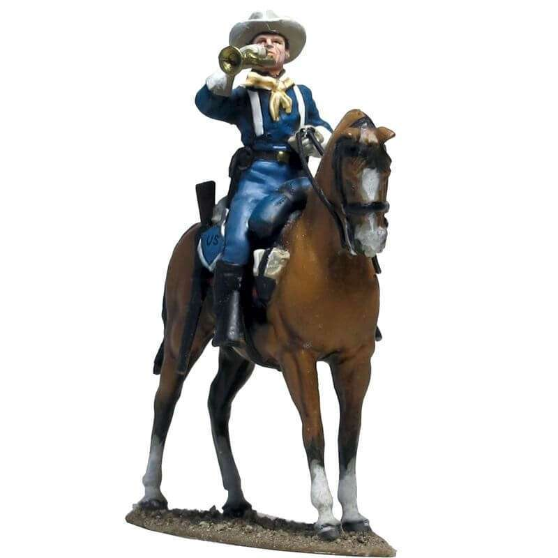 W 055 US cavalry bugler calling to formation