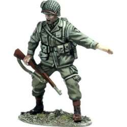 WW 140 toy soldier US paratrooper sergeant