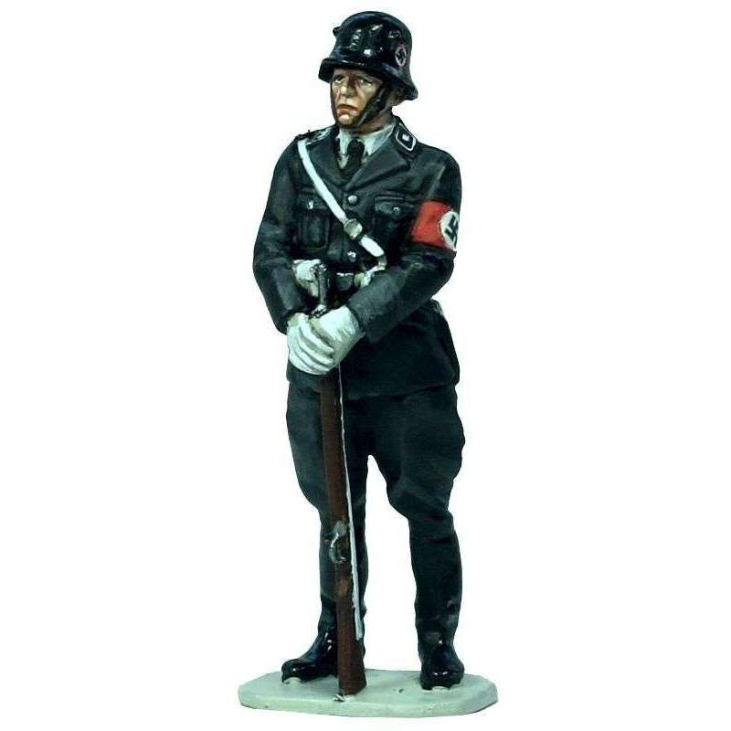WW 186 SS man full dress guard duty