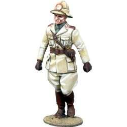 Oficial infantería italiana marchando África