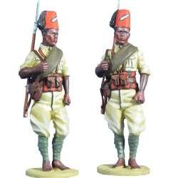 WW 085 Italian army Private...