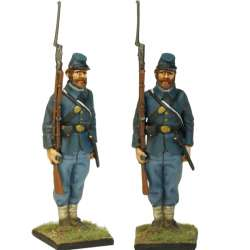NP 336 FRENCH LINE INFANTRY GRENADIER 1815 ADVANCING 2