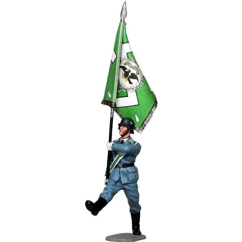 Hermann Göring division in parade standard bearer