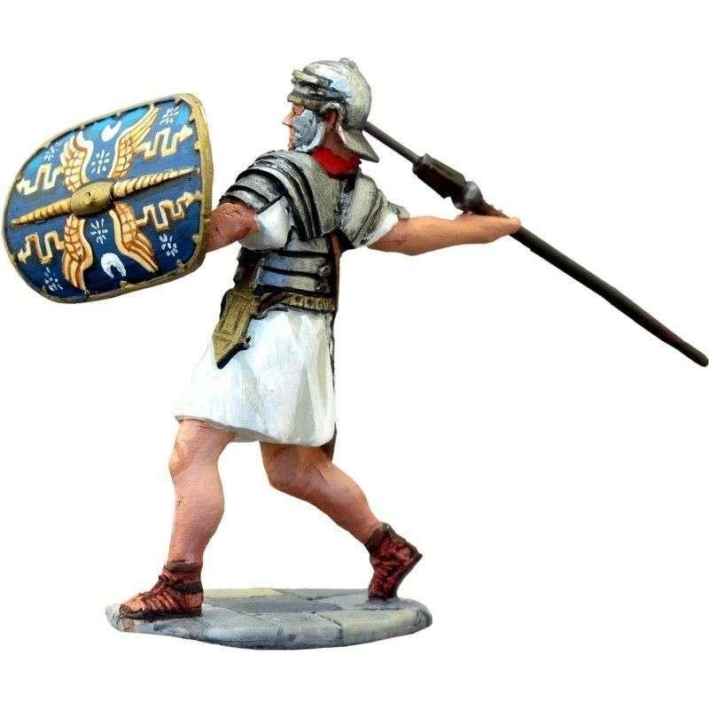 Vitelius praetorian guard throwing pilum