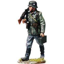 MG42 gunner