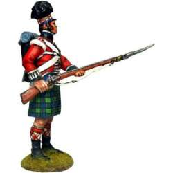 NP 572 toy soldier black watch private standing