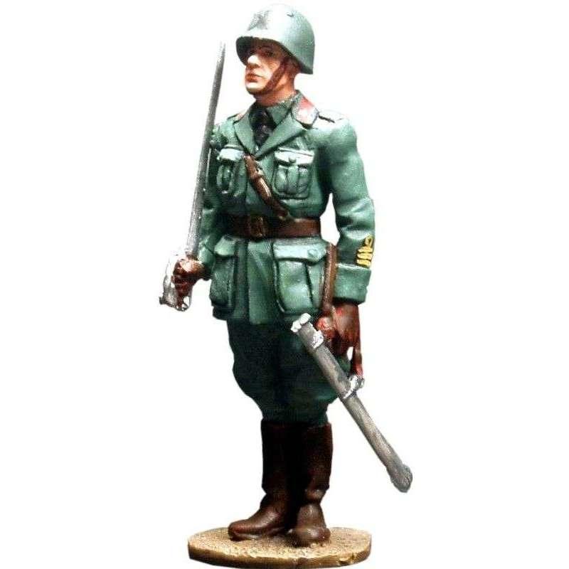 WW 026 Oficial infantería italiano 1940