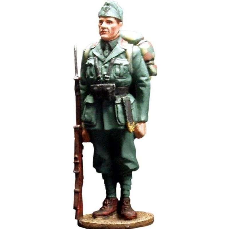 Italian infantryman 1940