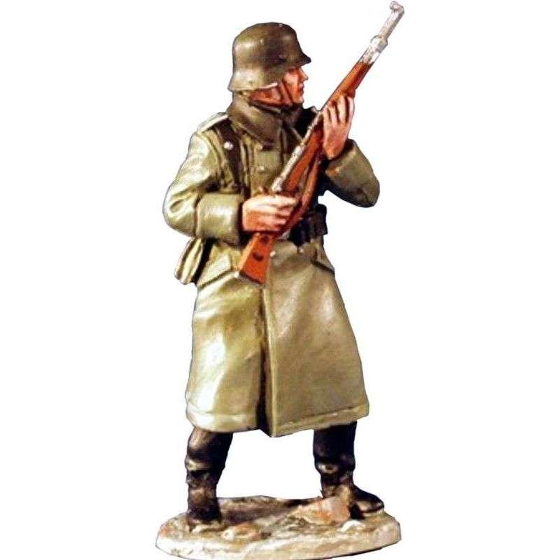 Wehrmacht soldier winter